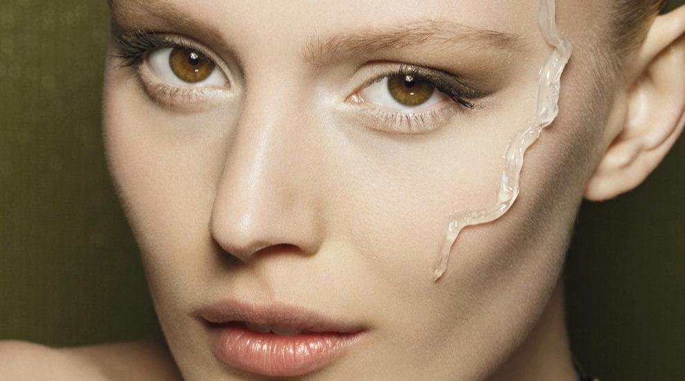 Incluye el booster en tu rutina de belleza diaria para tu rostro y...