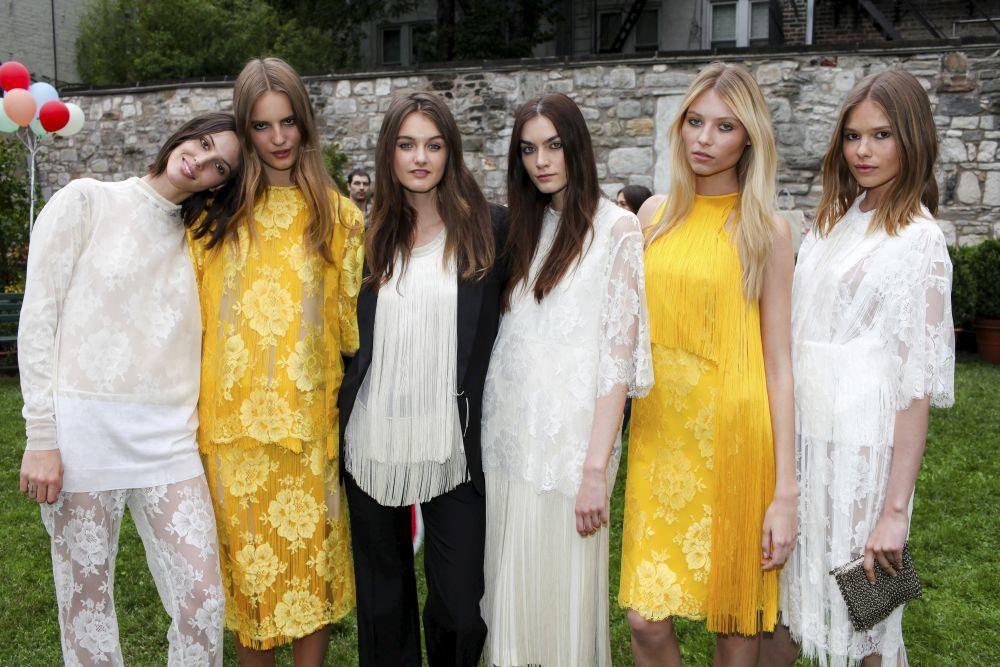 Seleccionamos los mejores vestidos e ideas de looks para el día de tu...