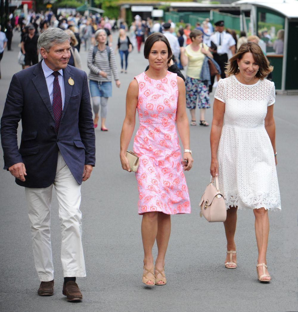 Pippa Middleton acompañada de sus padres