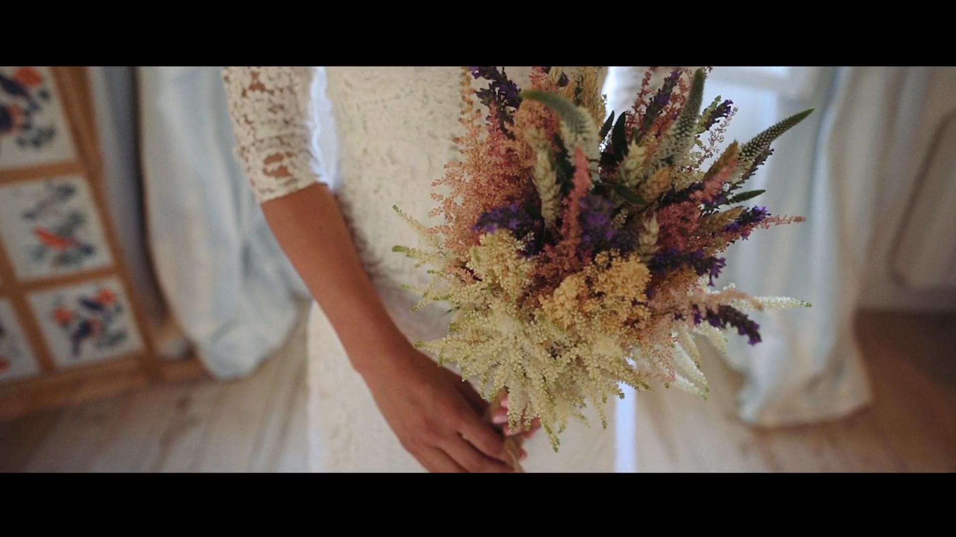 El vestido de novia de Alicia era un diseño vintage de 1928, comprado...