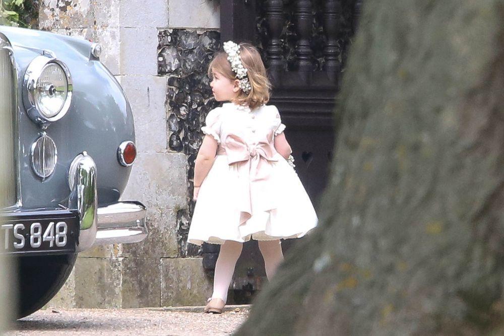 La princesa Charlotte durante la boda de Pippa Middleton.