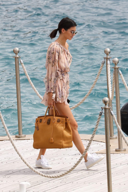 Kendall Jenner protagoniza nuestro look del día.
