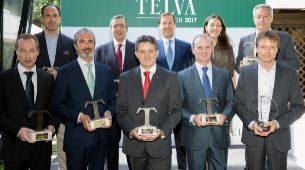 Foto de familia de los ganadores de los Premios TELVA Motor.