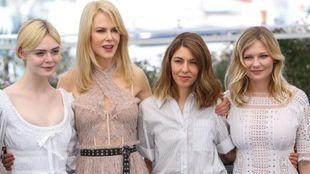 Elle Fanning, Nicole Kidman, director Sofia Coppola, Kirsten Dunst en...