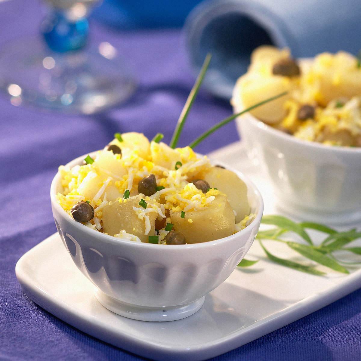 Ensalada de aceitunas negras, patatas y habas