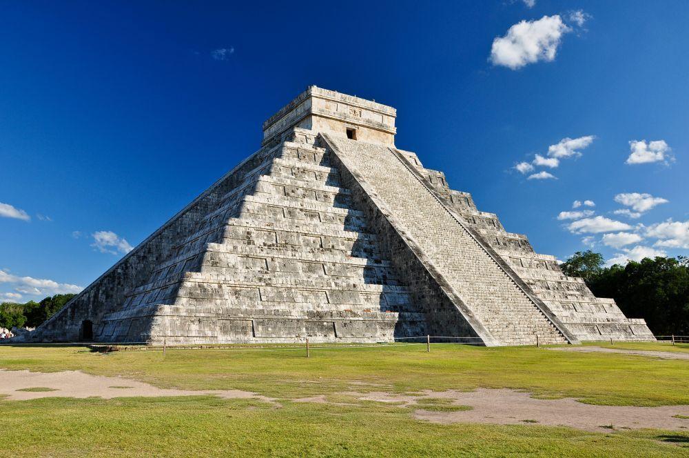 Chichén Itzá es un vestigio de la cultura Maya y uno de los...