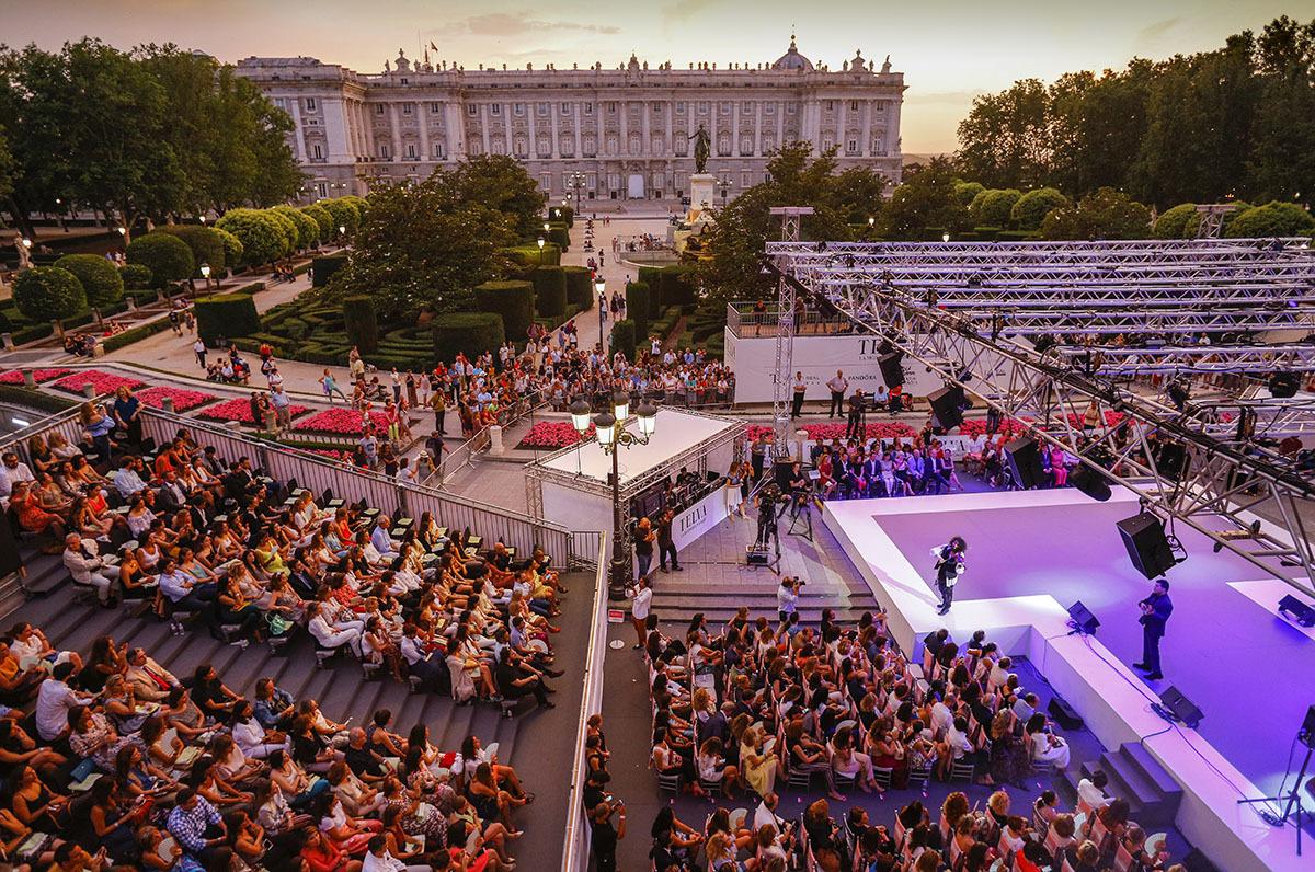 El Teatro Real, con el Palacio Real de fondo, fue el espectacular...