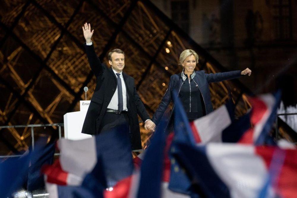Emmanuel Macron con su mujer Brigitte Trogneux