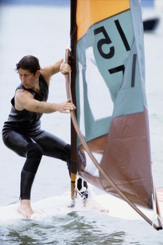 Carlos en1976 participando en una competición de windsurf en Cowes...