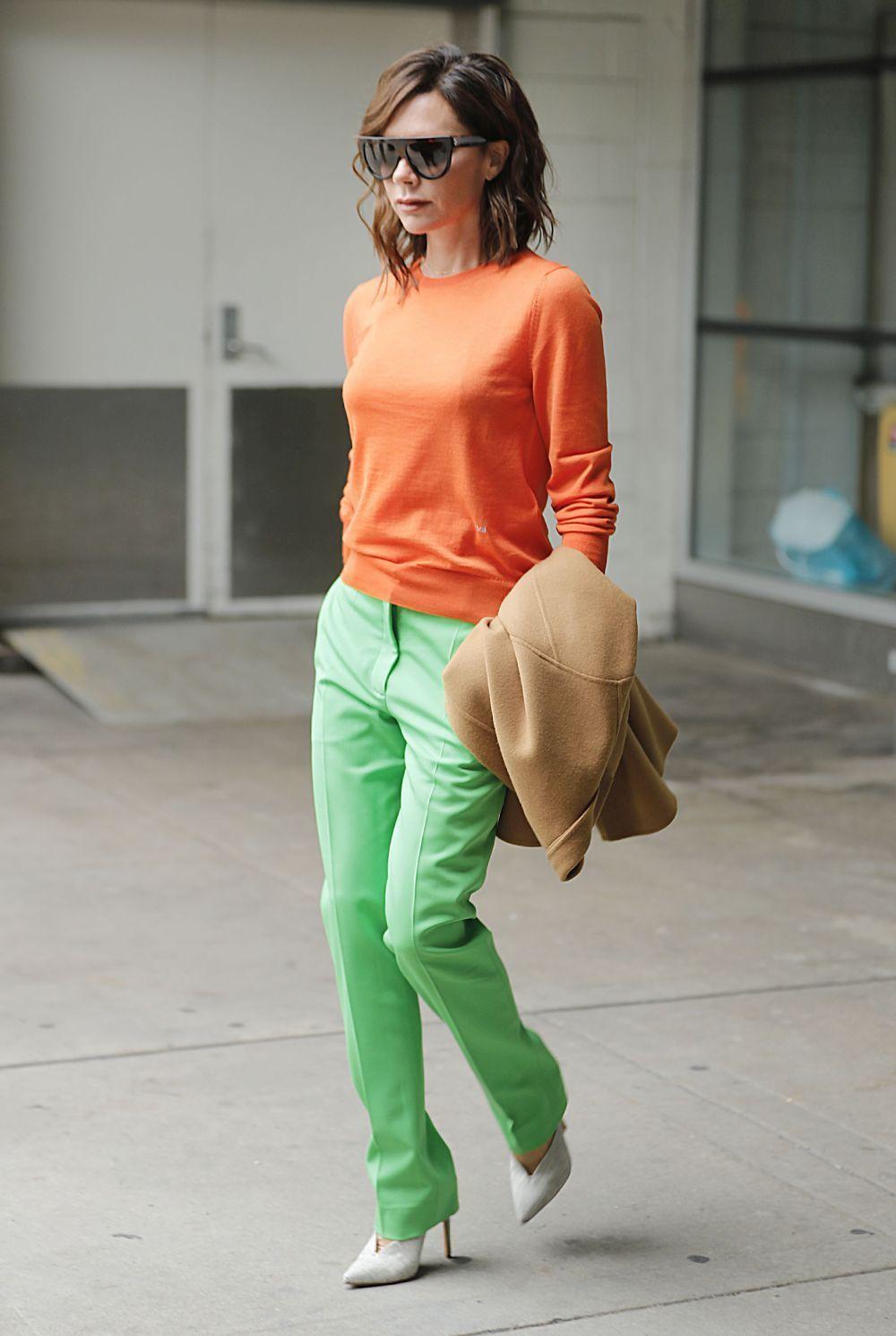 Victoria Beckham protagoniza nuestro look del día.