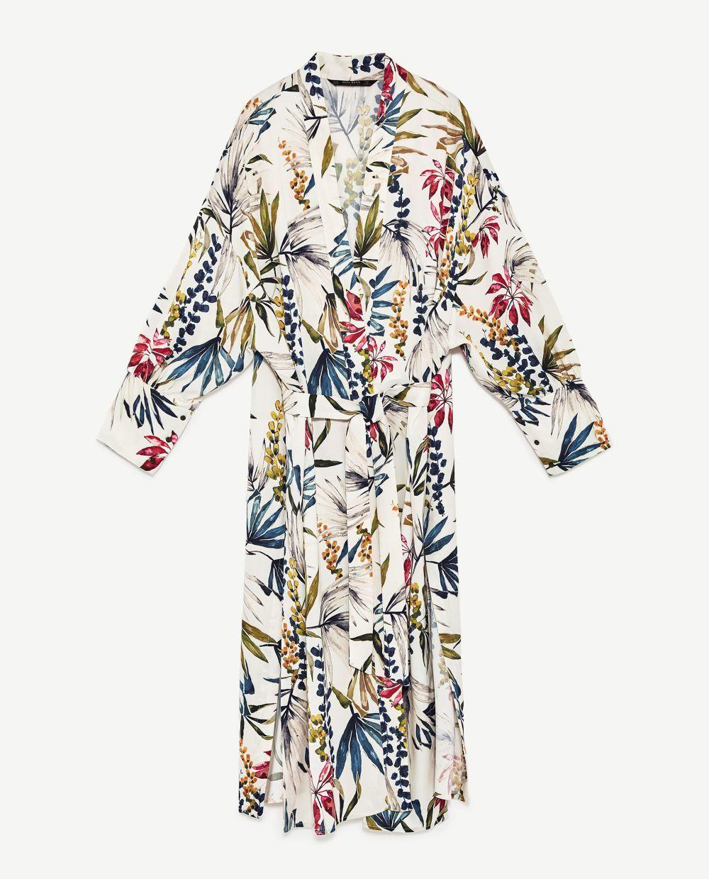 ¿Sustituirá el kimono al vestido veraniego? Ya lo veremos. De...