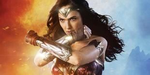 La cuarta entrega del Universo extendido de DC Comics, una mezcla de...
