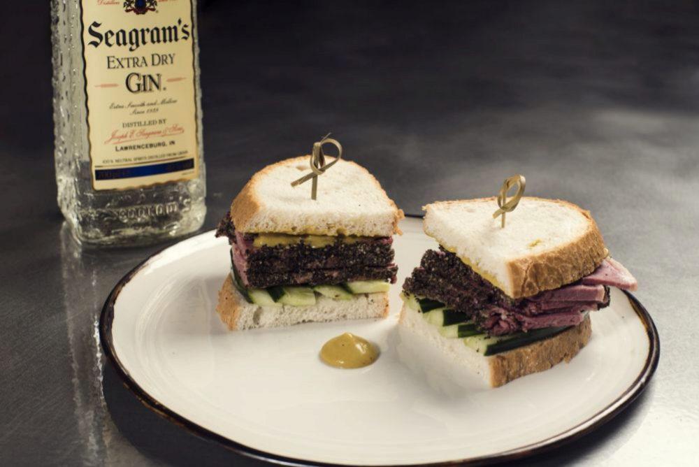 El sándwich de pastrami, una de las especialidades que se podrán...
