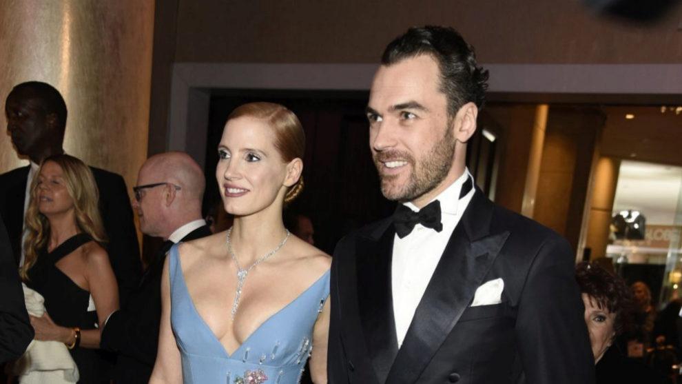 Jessica Chastain y su pareja Gian Luca Passi en los Premios Globo de...
