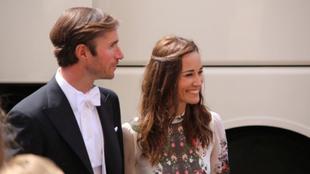 James Matthews y Pippa Middleton en una boda de unos amigos en...