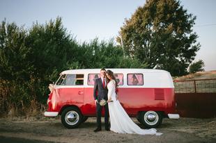 Ana y Luismi se casaron en una boda de estilo campestre a orillas del...