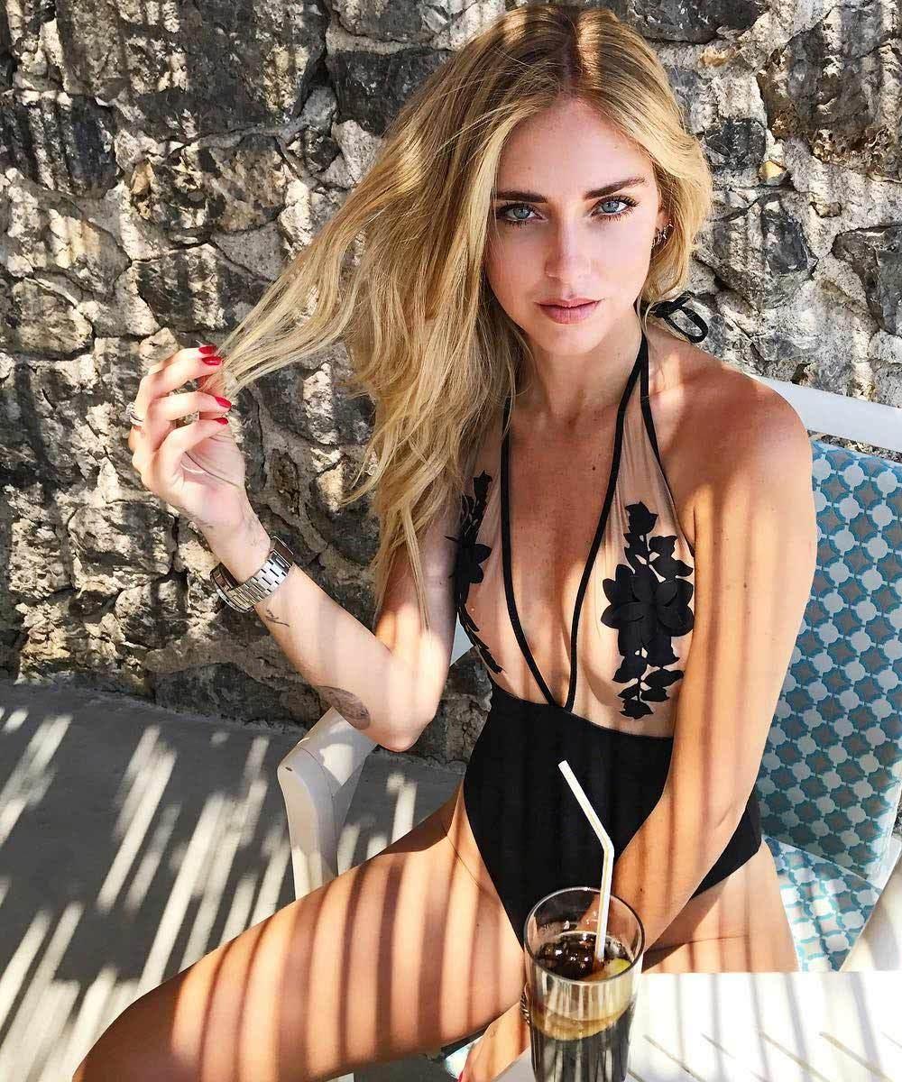 Chiara Ferragni es de las bloggers que se atreve con cualquier tono...