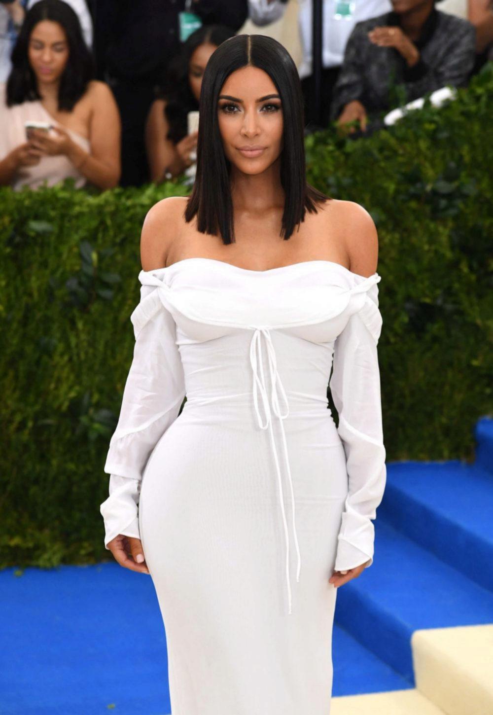 Kim Kardashian y su nueva firma de belleza, KKW