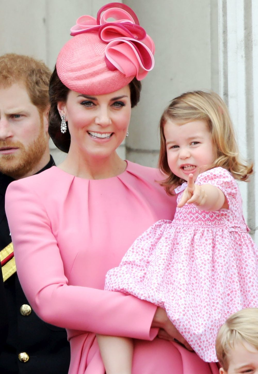 Kate Middleton y la princesa Charlotte en el desfile 'Trooping the...