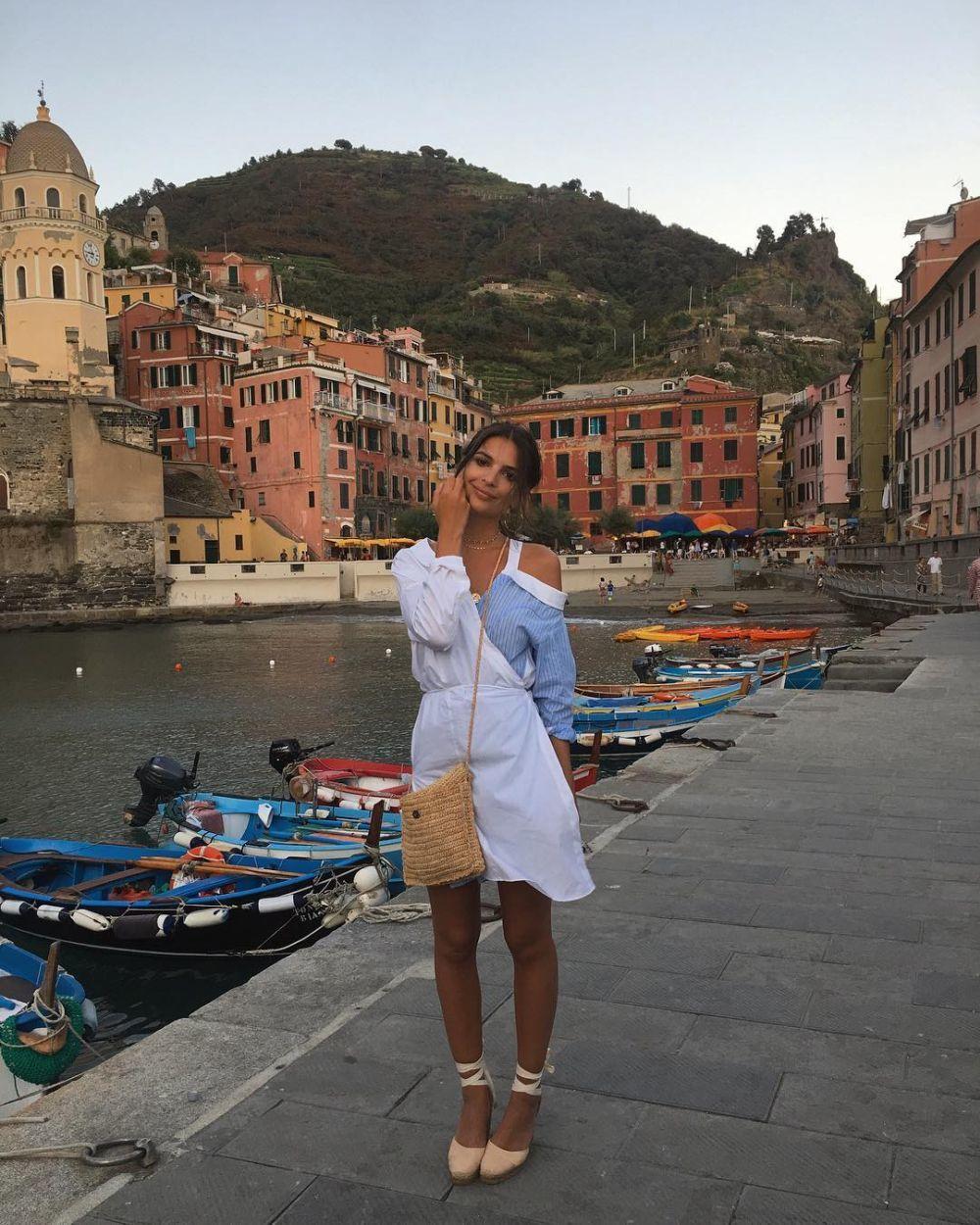 40b49d9cf El vestido de Zara de Emily Ratajkowski que arrasará este verano ...
