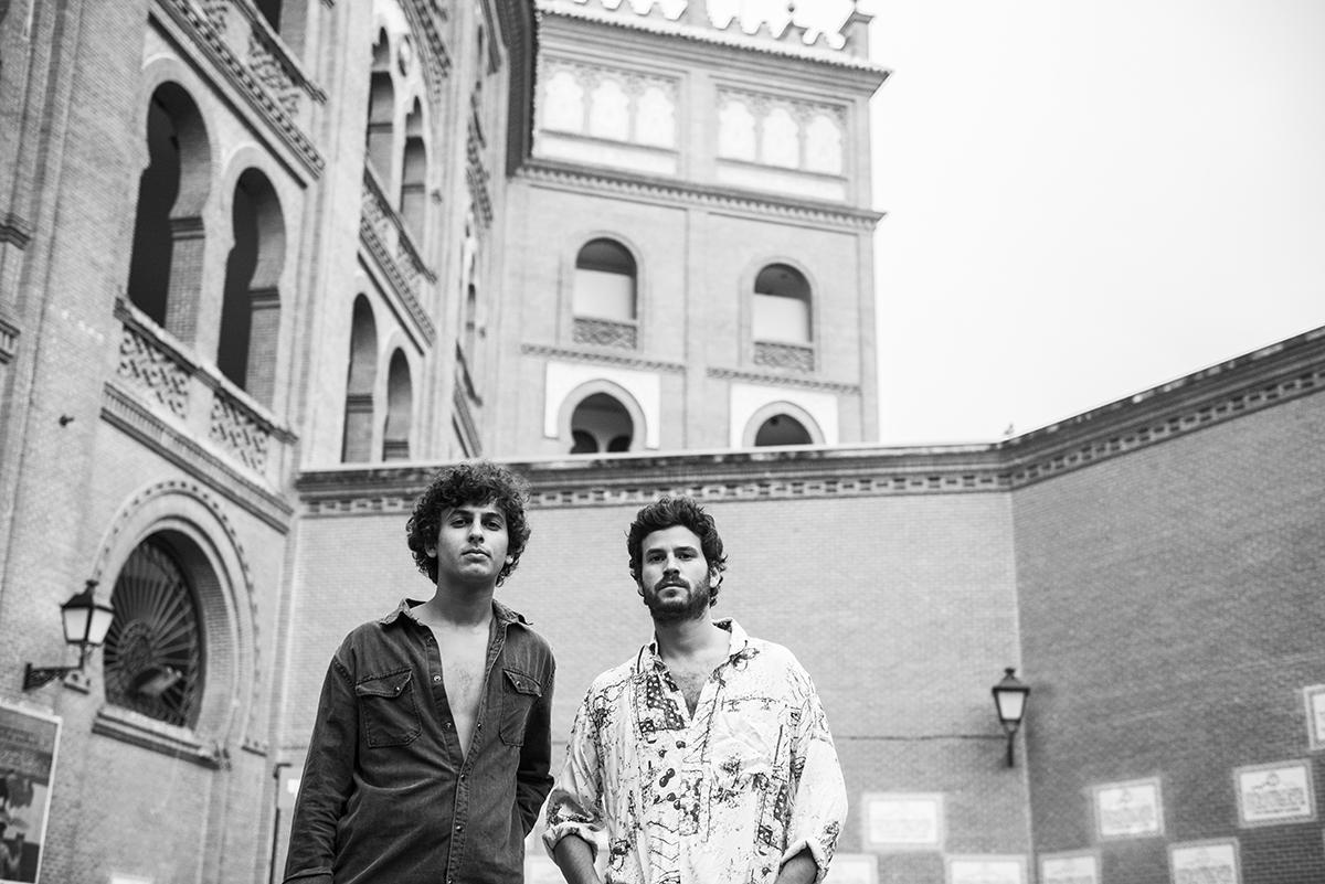 Willy Bárcenas y Antón Carreño, componentes del grupo Taburete,...