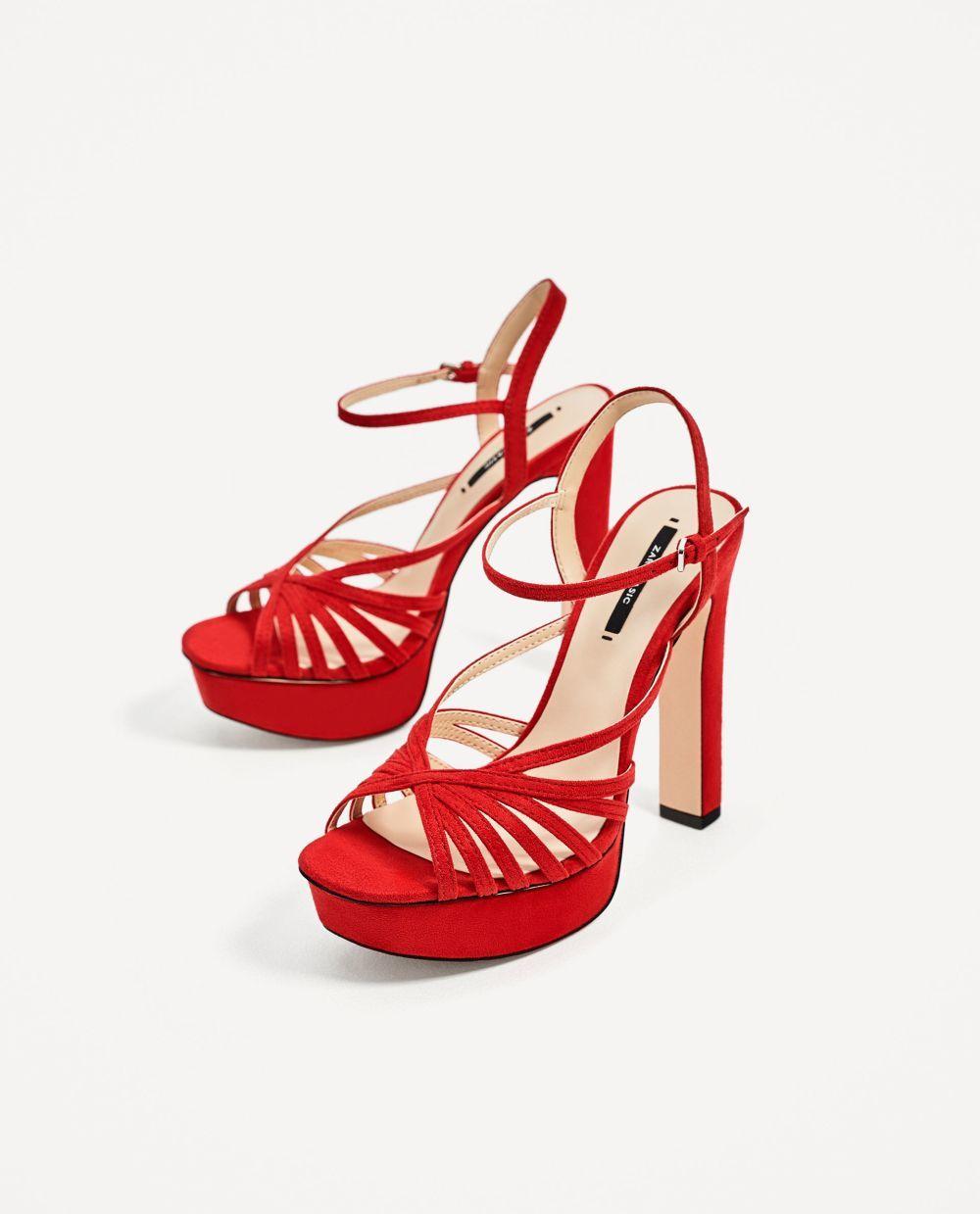 Sandalias de Zara (39.95 euros).