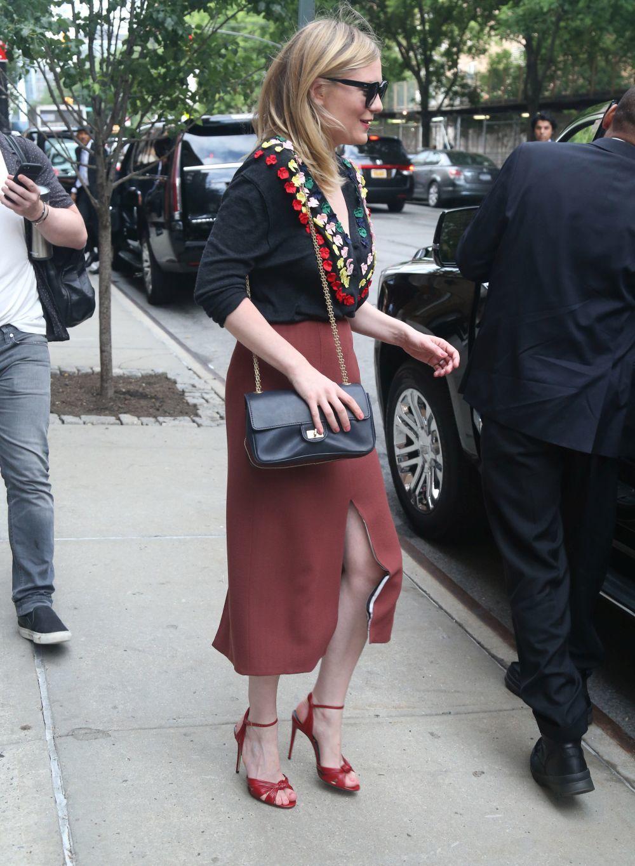 Kirsten Dunst protagoniza el look del día.