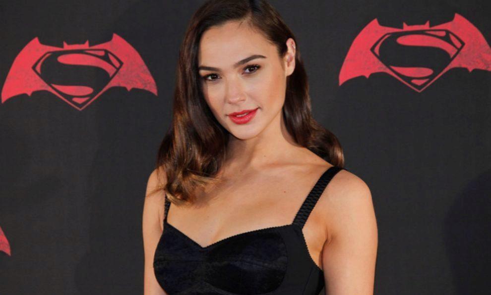 Gal Gadot ha sifo la elegida para interpretar a Wonder Woman, que se...