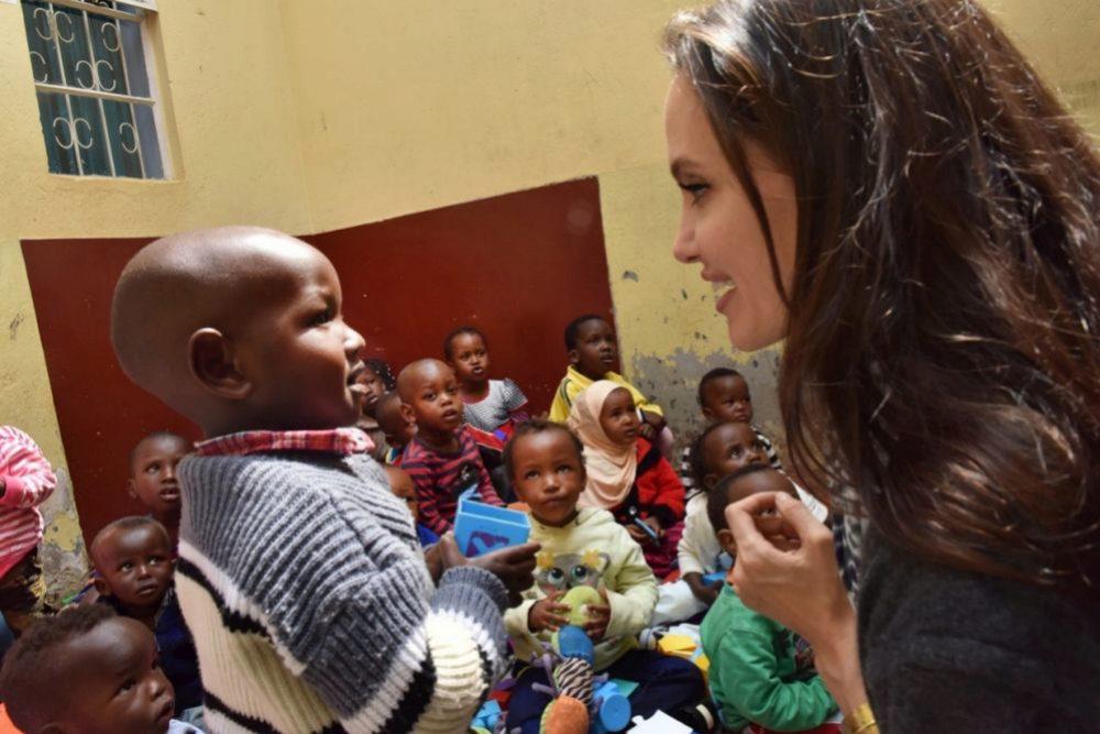 Angelina Jolie visita Kenia en el Día Mundial de los Refugiados para...