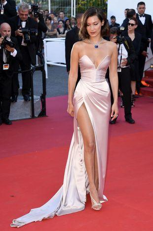 Bella Hadid y el vestido subastado