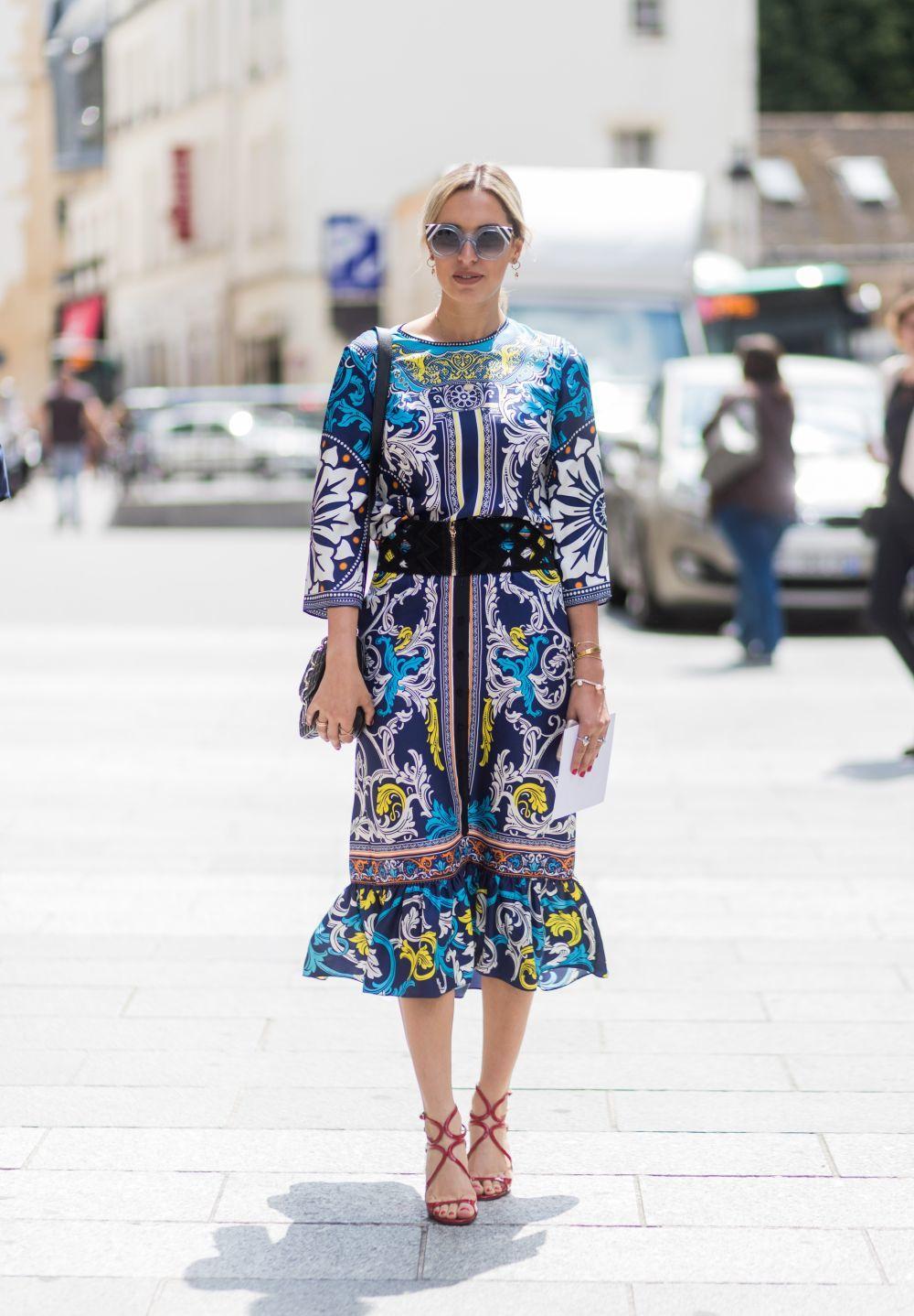 Vestido Midi Sandalias Street Style Y París Se Rinde Al