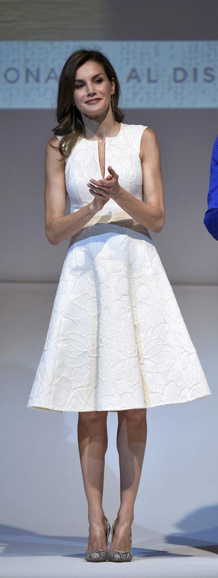La Reina Letizia, durante los Premios Nacionales de Moda en el Museo...