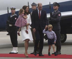 Viajan hasta Polonia y Alemania como visita oficial