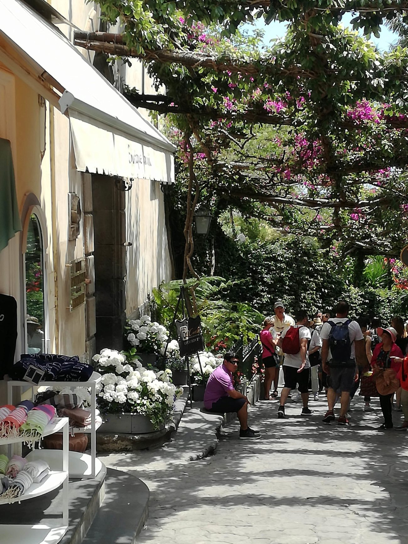 Píerdete por las calles de Positano y disfruta de un largo paseo