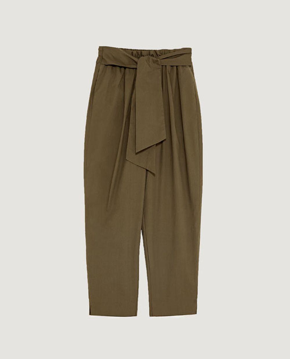 Pantalón popelín, Zara (22.95 euros).