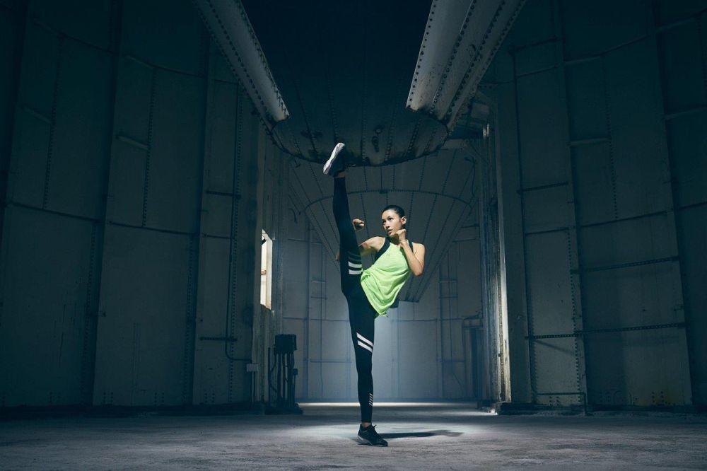 La campeona de taekwondo y actriz china Zoe Zhang