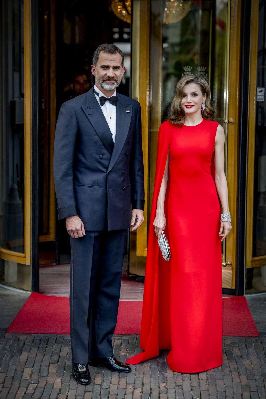 Para el 50 cumpleaños de Guillermo de Holanda, Doña Letizia escogió...