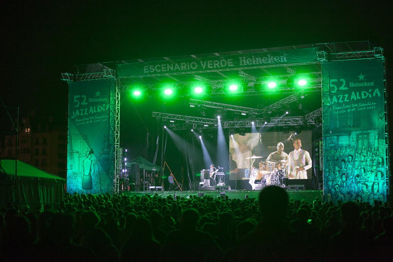 Durante el concierto de Sir The Baptist en el escenario verde de...