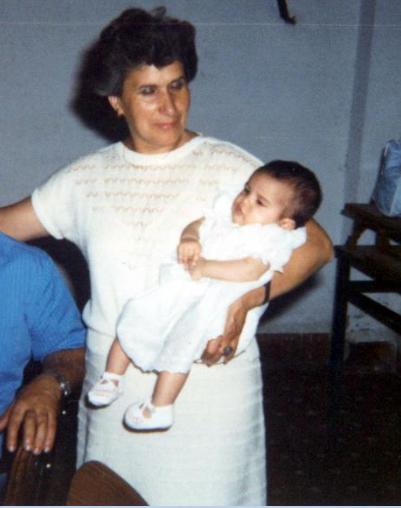 Miriam Mascareñas (de TELVA.com) con su abuela Amelia.