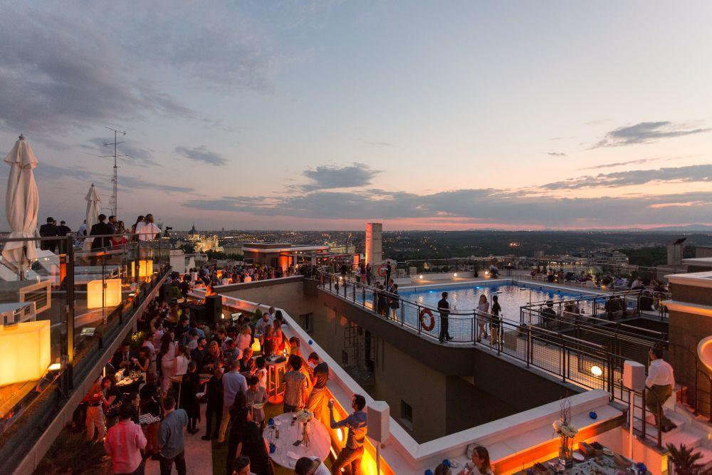 La terraza Hotel Emperador puede alquilarse para eventos y ofrece unos...