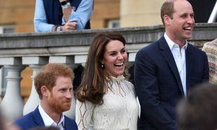 La familia real británica busca empleados por LinkedIn