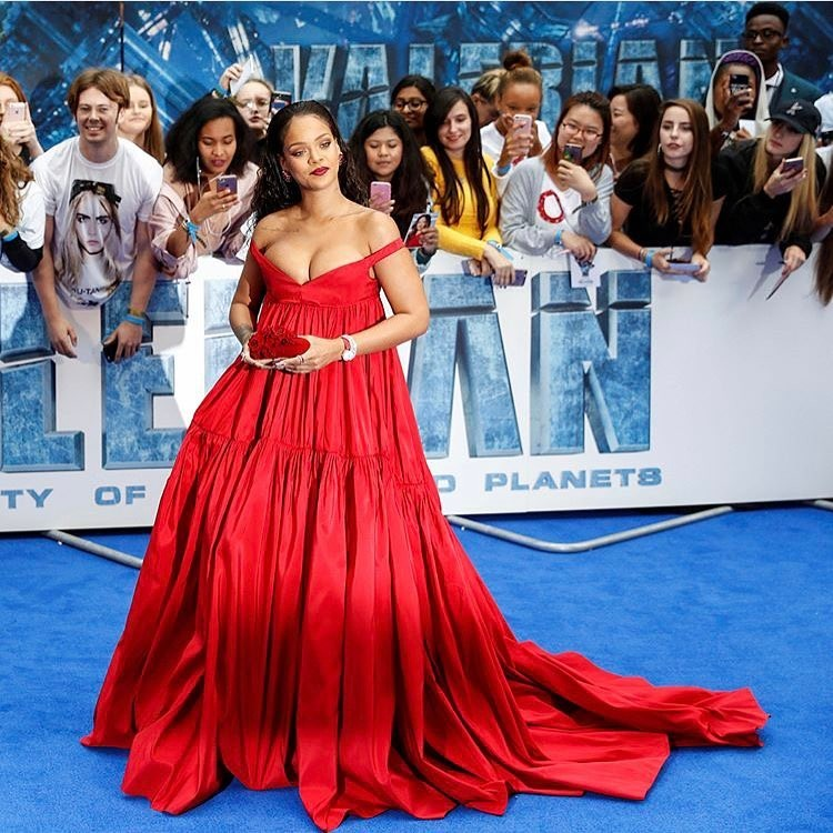Rihanna, diana de críticas por su aumento de peso