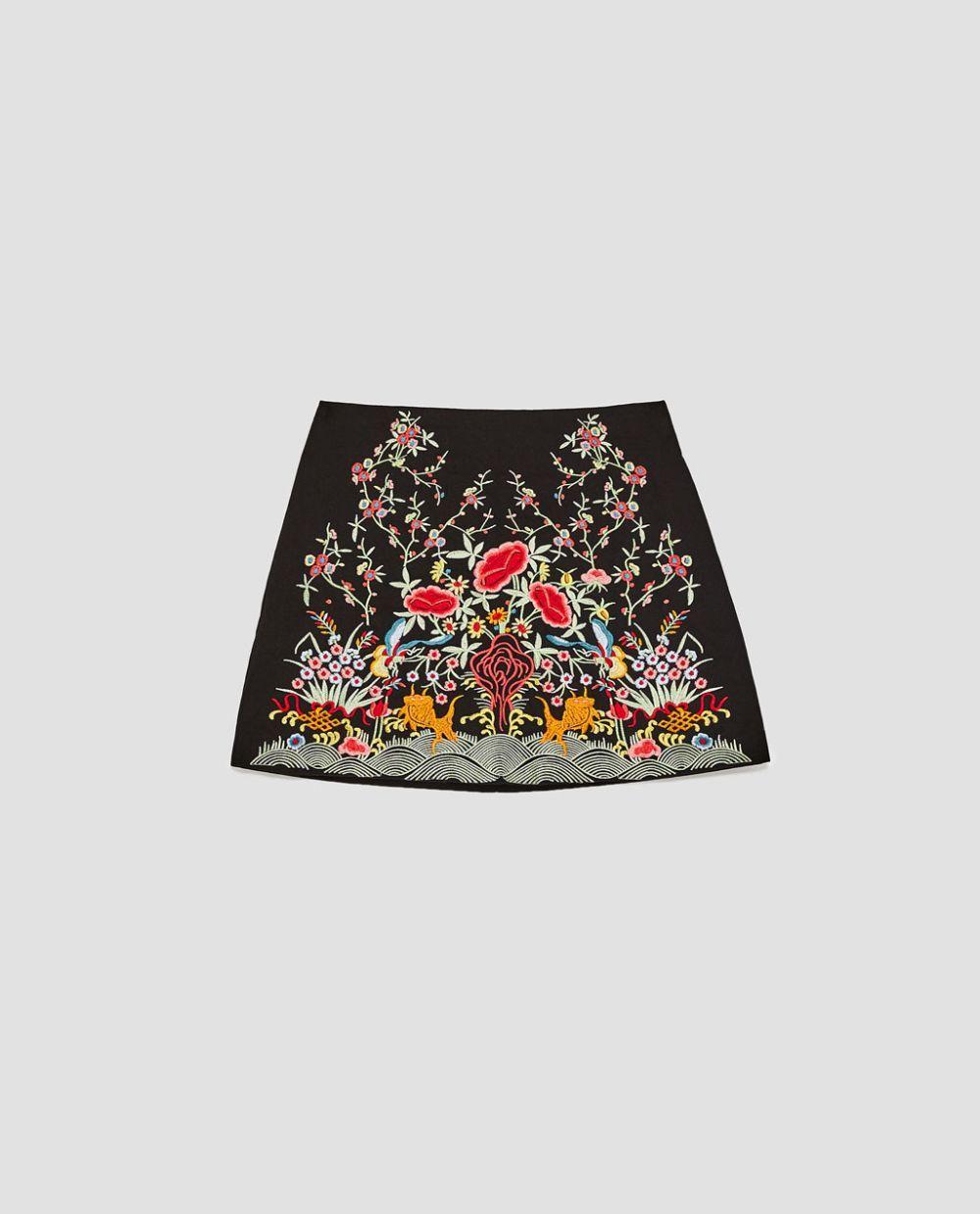 Falda Zara (29.95 euros)