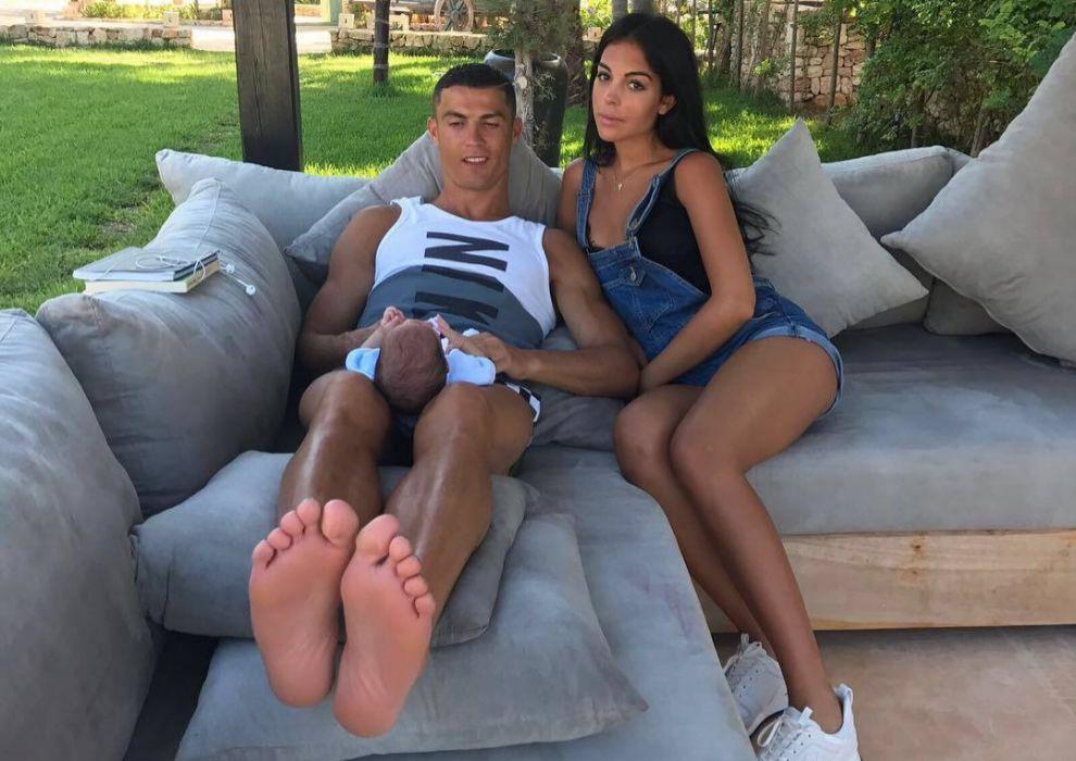 Cristiano Ronaldo y Georgina Rodríguez lucen encantada con su pronto...