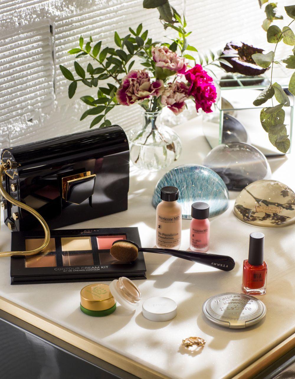 Bases de maquillaje, labiales, o aceites se conservan mejor sin frío...