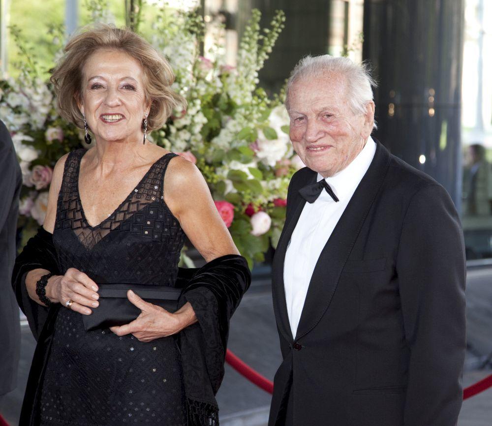 Jorge Zorreguieta junto a su esposa Carmen en el 40 cumpleaños de su...