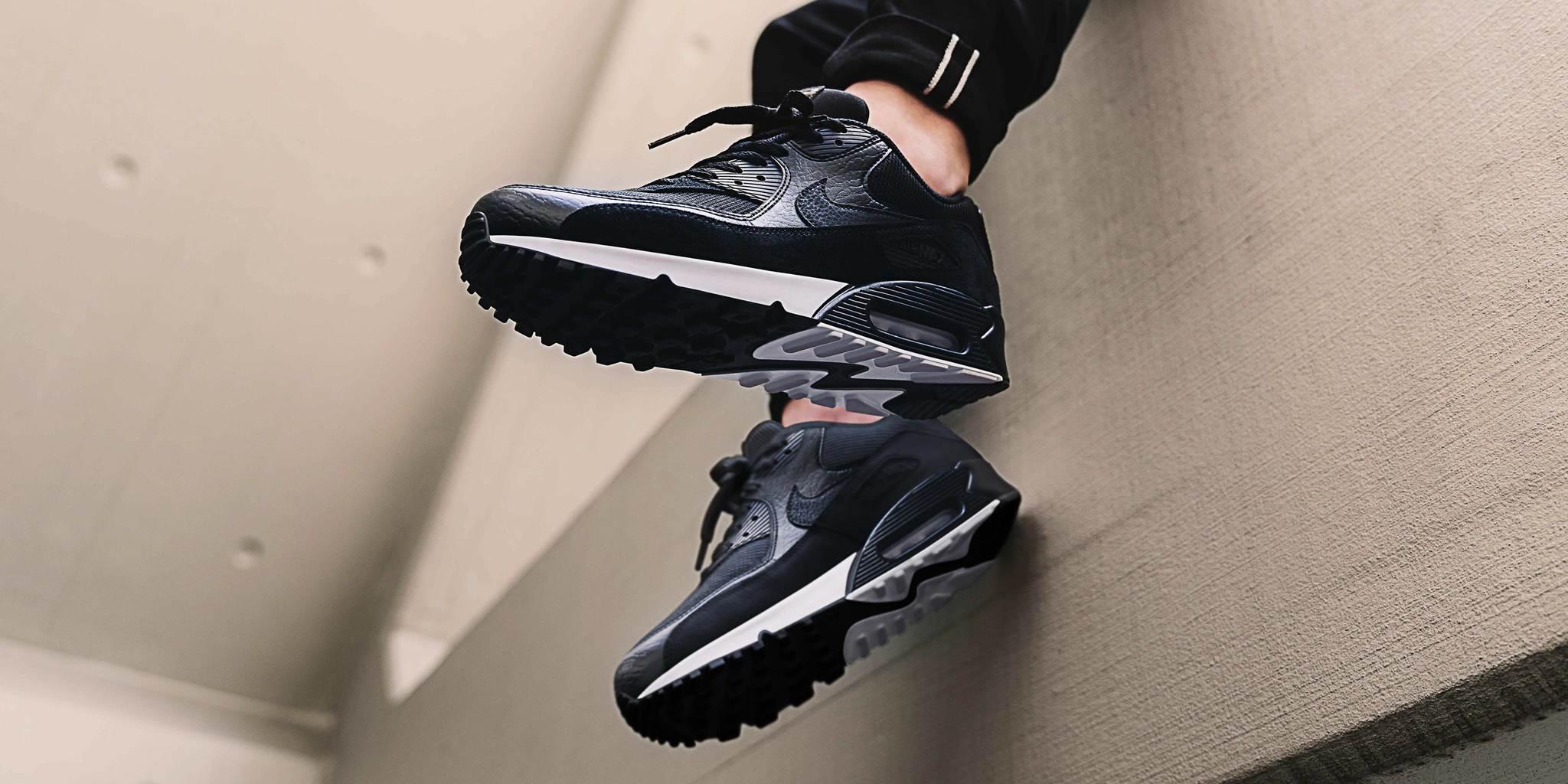 Nike Air Max 90 Essential.