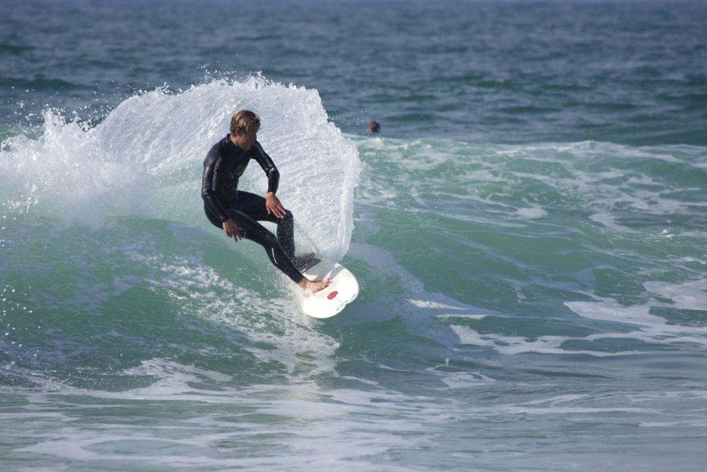 Playa en Cascais, uno de los mejores sitios para surfear
