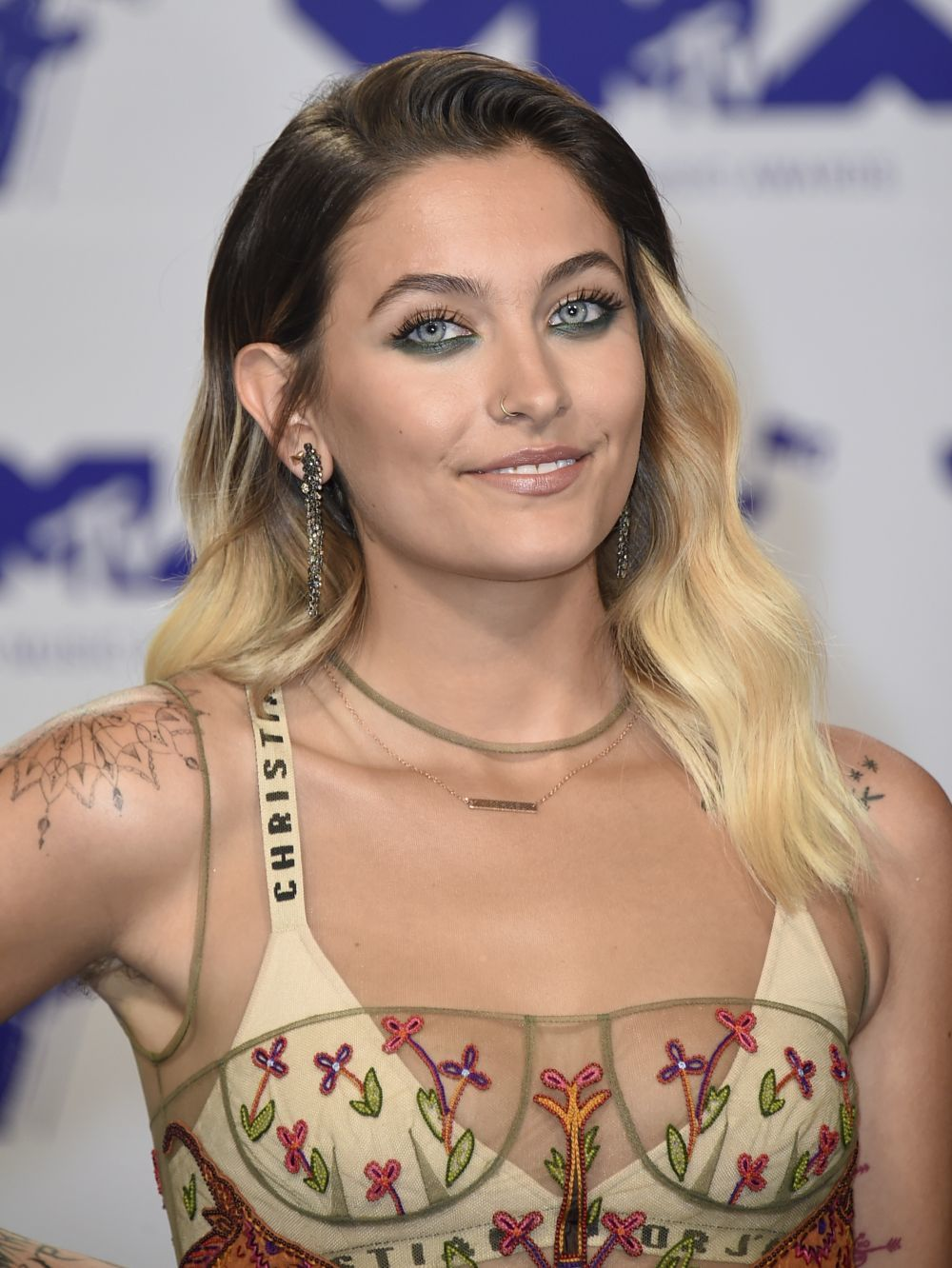 Paris Jackson acude sin depilar a los Premios Video Music Award MTV