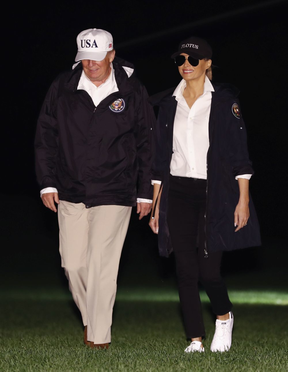Melania Trump finaliza su viaje con un 'sporty look'